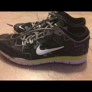Women's Nike Free TR Fit 4 sneaker